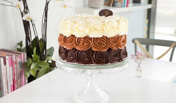 Choco_caramel_roses_cake_rec
